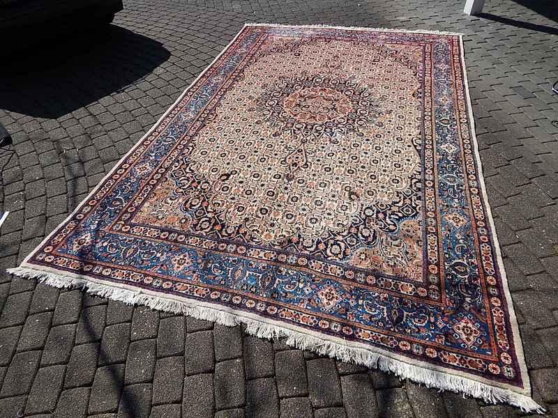 gebrauchte persische teppiche simple teppiche with. Black Bedroom Furniture Sets. Home Design Ideas